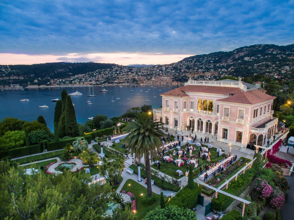 The villa ephrussi de Rotchschild is a perfect venue to get married