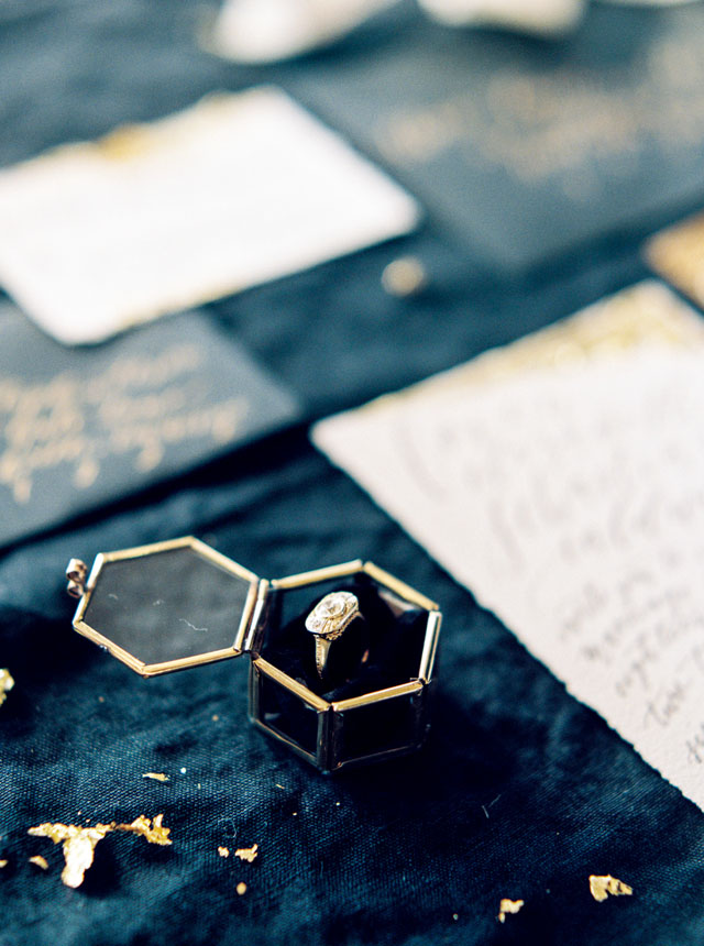 emily-katharine-photography-black-gold-poe-inspired-wedding-ideas-26