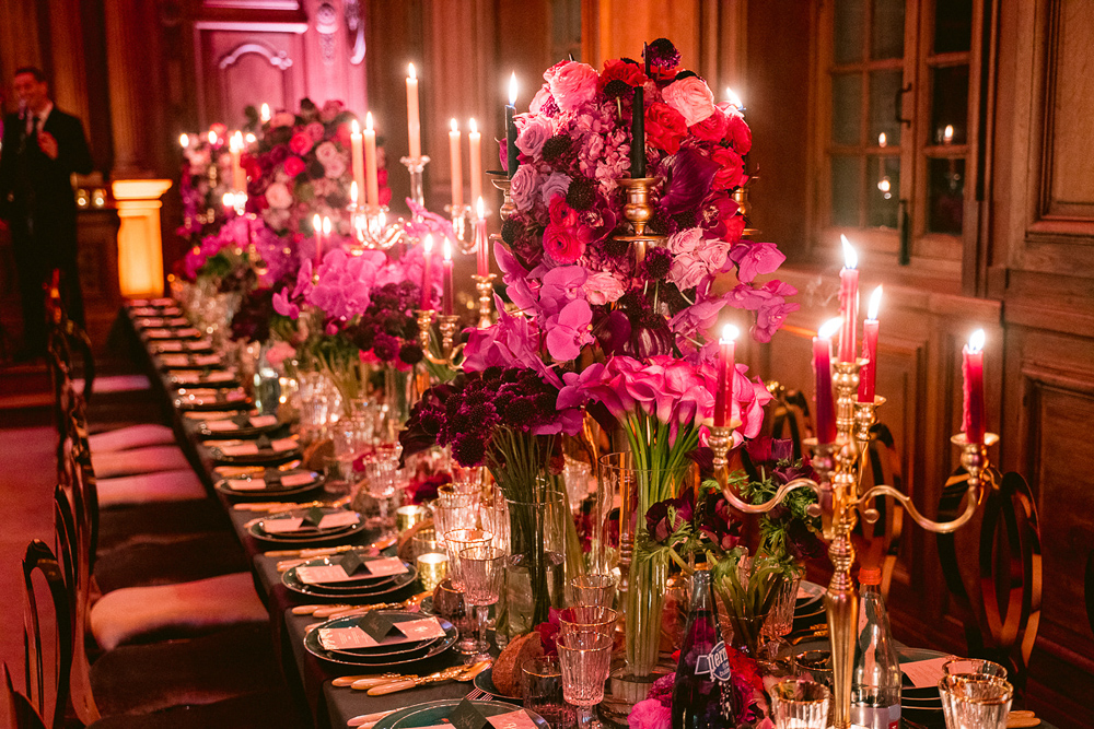 Floral arrangement for a luxury reception dinner at Chateau de Villette