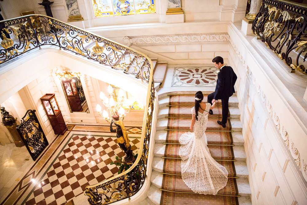 Why get married in Paris - Sumptuous Events - Shangri La staircase