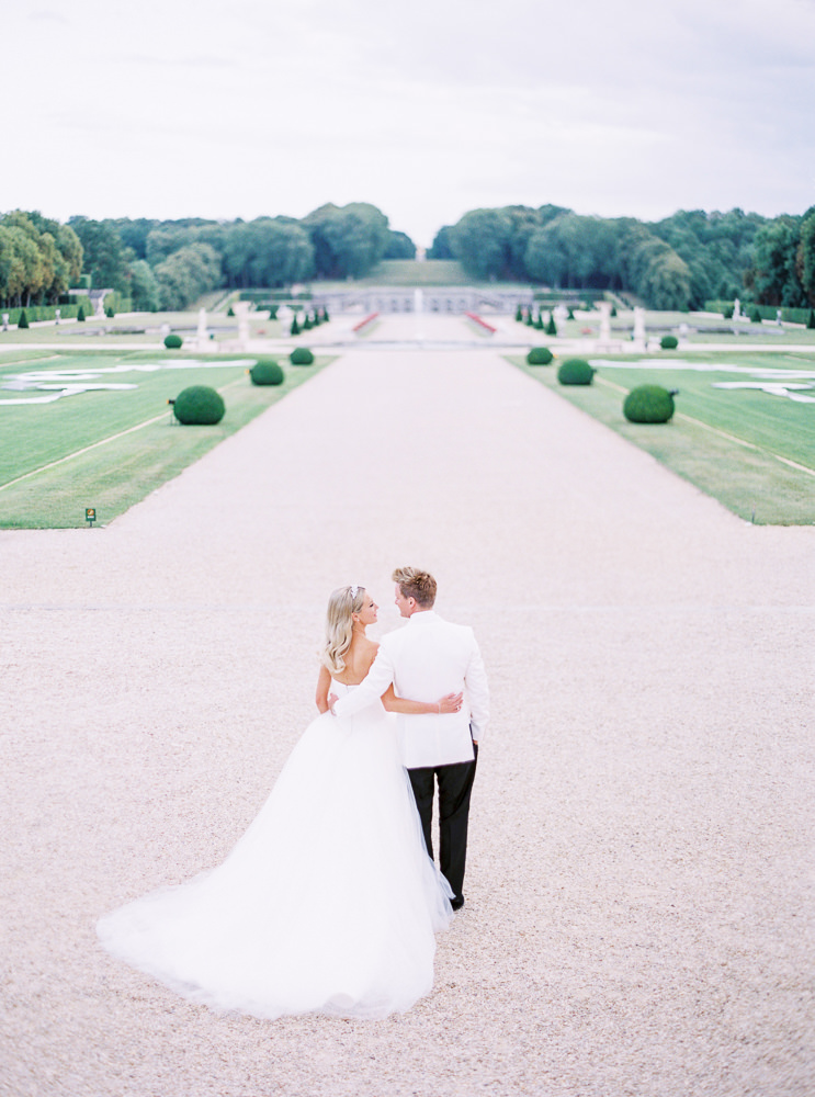 Choose the core team of vendors for your French wedding