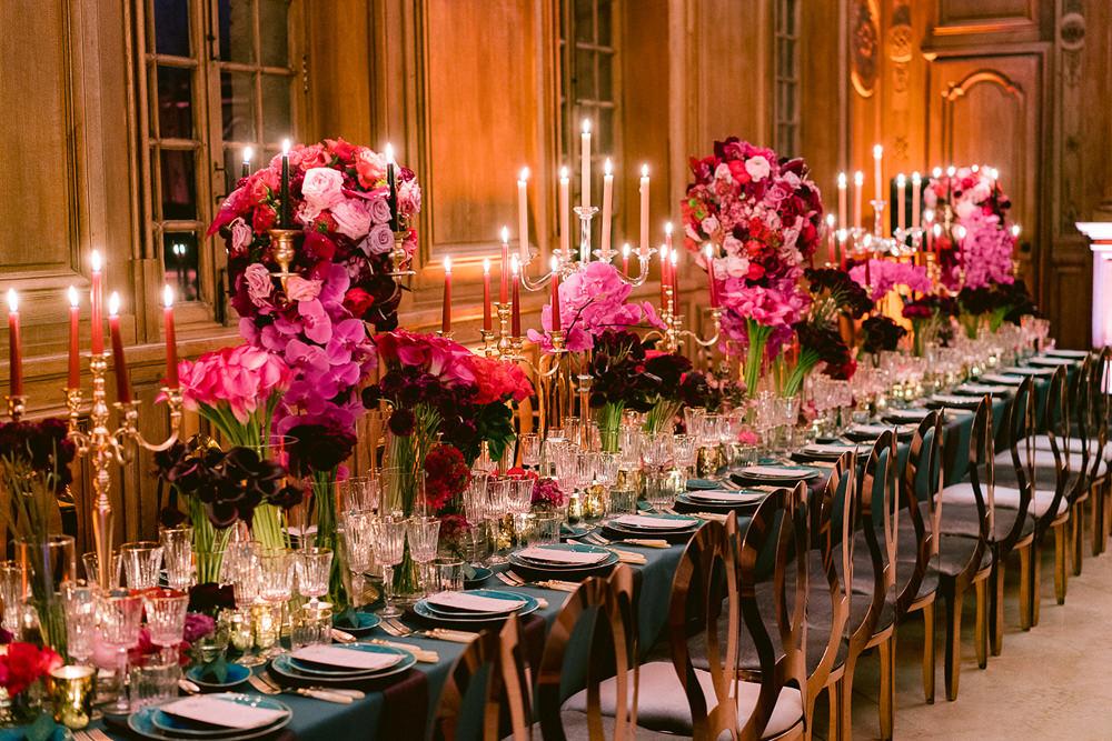 Floral design for wedding reception table by Sumptuous Events Paris
