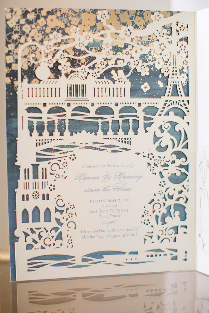 The wedding invitation should match the theme of your wedding